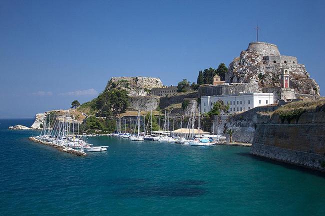 De superbe paysage Grec à découvrir en camping-car